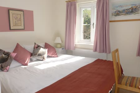 Driftwood, bright & cosy room for 2 - Bed & Breakfast