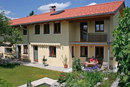 Villa Lucca & Villa Casa Ferienwohnungen Bad Tölz - Bad Tölz