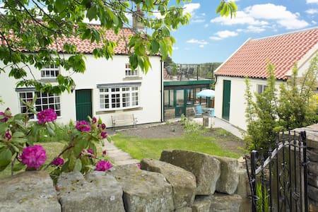 Osborne Cottage - Whitby