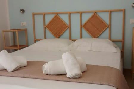 Il Piccolo Giardino B&B Room 2 - San Vito Lo Capo - Bed & Breakfast