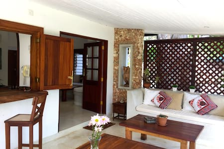 Inshalla Cottage Diani, Stunning Beachfront Luxury - House