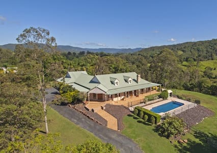 XMAS - 4 bed on 4 acres with views - Draper