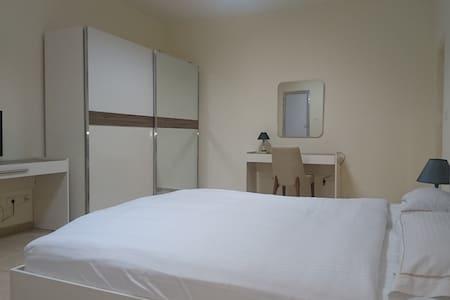 Mikhael's Apartments - Brazzaville - Apartment
