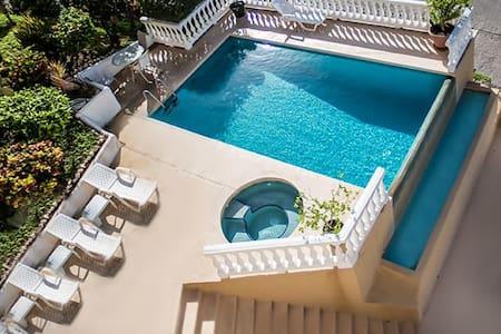 New!! Luxury Ocean View Condo, Great Pool, BBQ - Playa Flamingo - Condominium