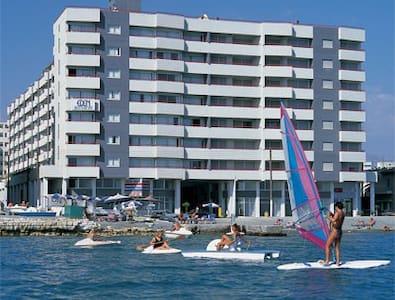 Lexact Eden Beach Apartments - Apartment