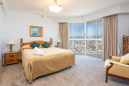 Spacious 1 Bedroom Unit with Stunning Ocean Views - Wohnung