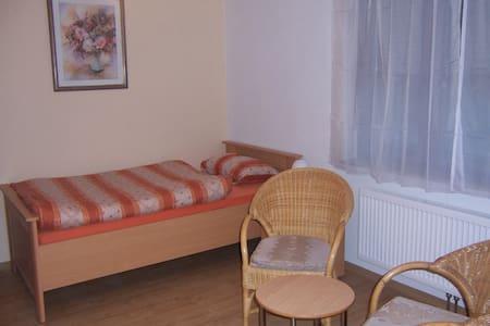 Haus Obersulm Zi. 2    Doppelzimmer - Flat