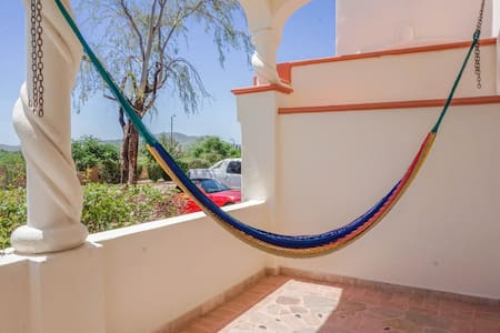 3BED LUXURY Apartment! Hammock+POOLS! Near Beach! - Apartment