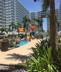 Shell Residences 1BR Best Location Great Value - Apartmen