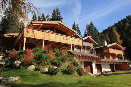 Wonderful Chalet on ski slopes in Campiglio - Madonna di Campiglio