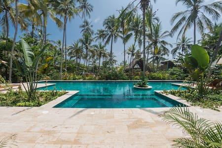 Cayena Beach Villa (with pool near Tayrona) - Villa