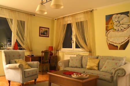 Charming apartment in Tuzla - Apartment
