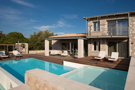 Aggelos Brand New Exclusive Villa with Private Pool (Agrikies Villas) - Lefkada