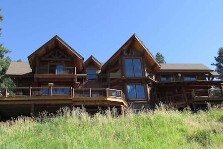 Handcrafted Log Home - Summer Room - Alpstuga