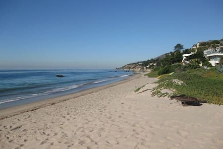 Malibu Beach House on the Sand! - Malibu - House