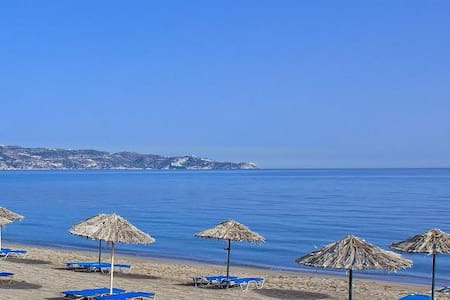 Self catering one bedroom apartments near the sea. - Appartement