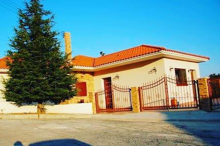Pine Vine Luxury Villa in Pera Pedi - Pera Pedi - Villa