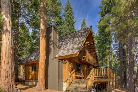 Updated Family-friendly Cabin on West Shore - 3bdr - Haus
