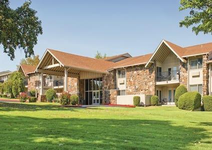 1 bedroom Condo at Wyndham Resort, Afton OK - Afton - Condominio