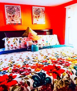 Room CHEAP - East Riverdale - Casa