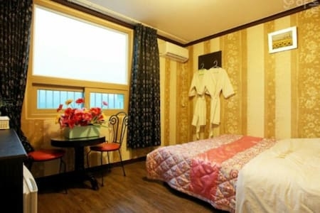 바다가 보이는 사이판 모텔 - Naega-myeon, Kanghwa - Bed & Breakfast
