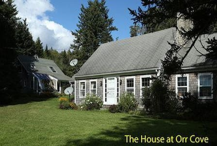 The House at Orr Cove - Altres