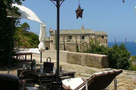 maison de charme sur la mer - House