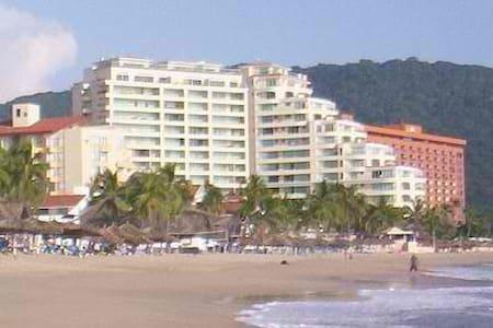 Luxury Bay View Grand Beach Condo - Ortak mülk