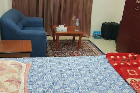 Big Spacious Furnished Room in the Heart of Dubai. - Apartemen
