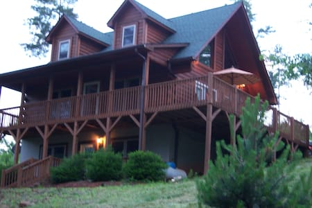 Tryon,20 min from TIEC, Gated 1 bed - Rutherfordton - Apartment