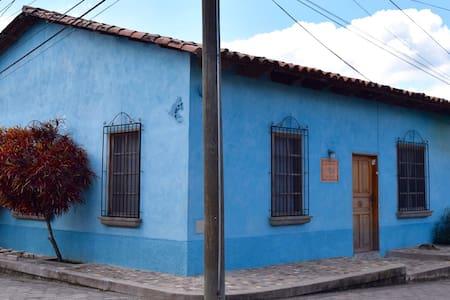 Hostel Iguana Azul - Copan Ruinas - Pensió