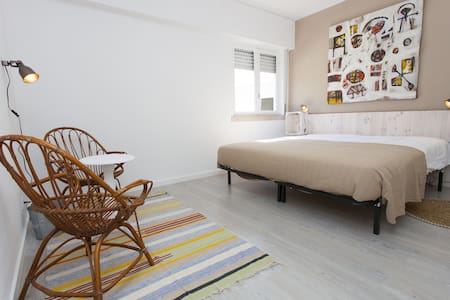 Double Room 200m from the Surf, breakfast included - Costa da Caparica