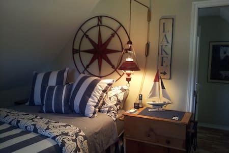 Four Ninety Lakeview,Cozy 3 season Nautical - Gravenhurst