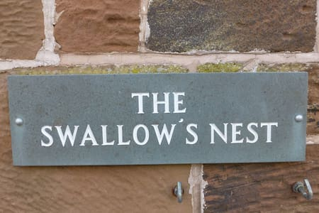 THE SWALLOWS NEST, Near Silloth, Solway Coast - Talo
