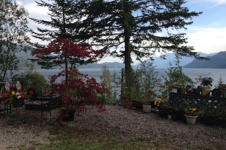 Kemar's Kootenay Lake Getaway - Teljes emelet