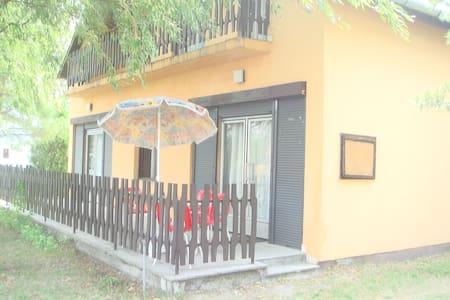 Greean haus apartman Balatonfenyves - House