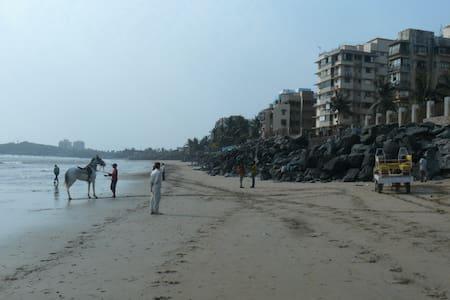 Peaceful apartment in Versova with seaview - Mumbai - Wohnung