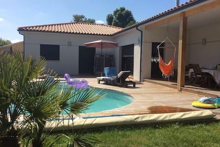 Villa près bordeaux, vigne et océan - Casa