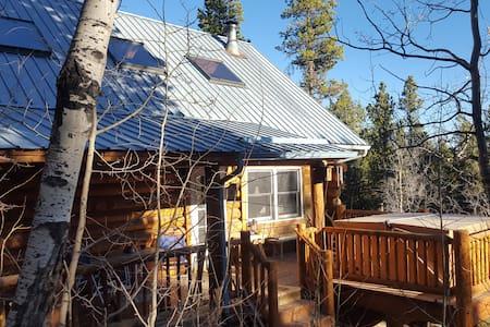 Amazing Mtn Log Cabin w Hot Tub!! - Fairplay - Casa