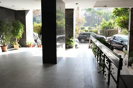 Sunny & quiet 3 BDR apt garden view - Cairo  - Apartment
