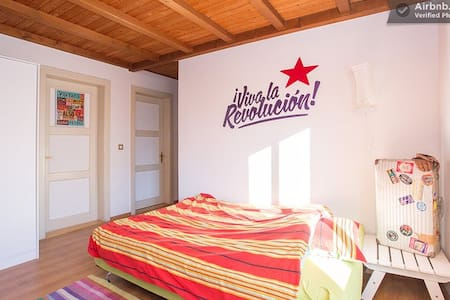 Big Cozy Appartment in Sierre Centrale - Lejlighed
