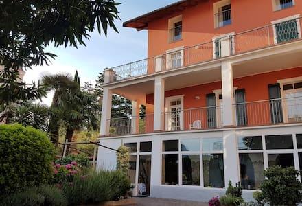 Garda Lakeside B&B Casa Sandra Bertolini - Nago-torbole - Bed & Breakfast