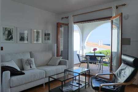 Beautiful apartment with views to the sea - Arenal d'en Castell - Townhouse