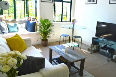 Central, Bright & Airy Apartment - Darlinghurst - Apartment