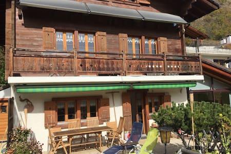 Chambre La Bella Tola - House