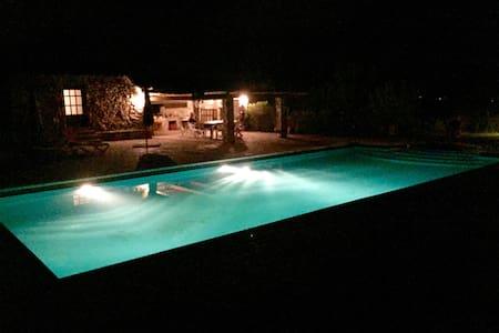 Superbe Masia a santa cristina d'aro avec piscine - Villa