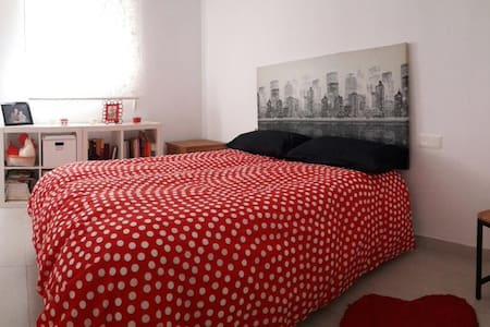 Bonito y acogedor piso apartamento en planta baja! - Museros