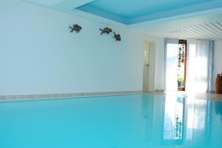 Studio Fewo mit Indoorpool & Sauna - Baiersbronn - Appartement en résidence