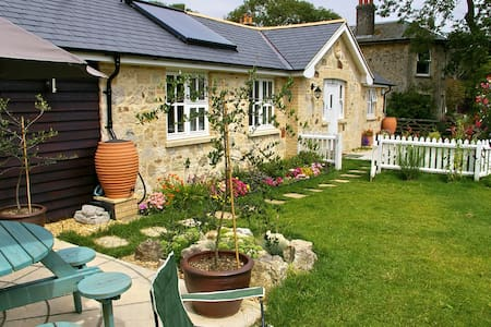 Art Studio Cottage - Freshwater