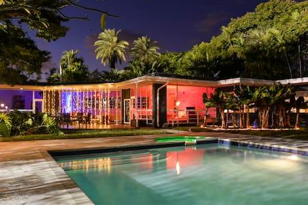 5 Bedroom Villa in the Heart of Miami Beach - Miami Beach - Villa
